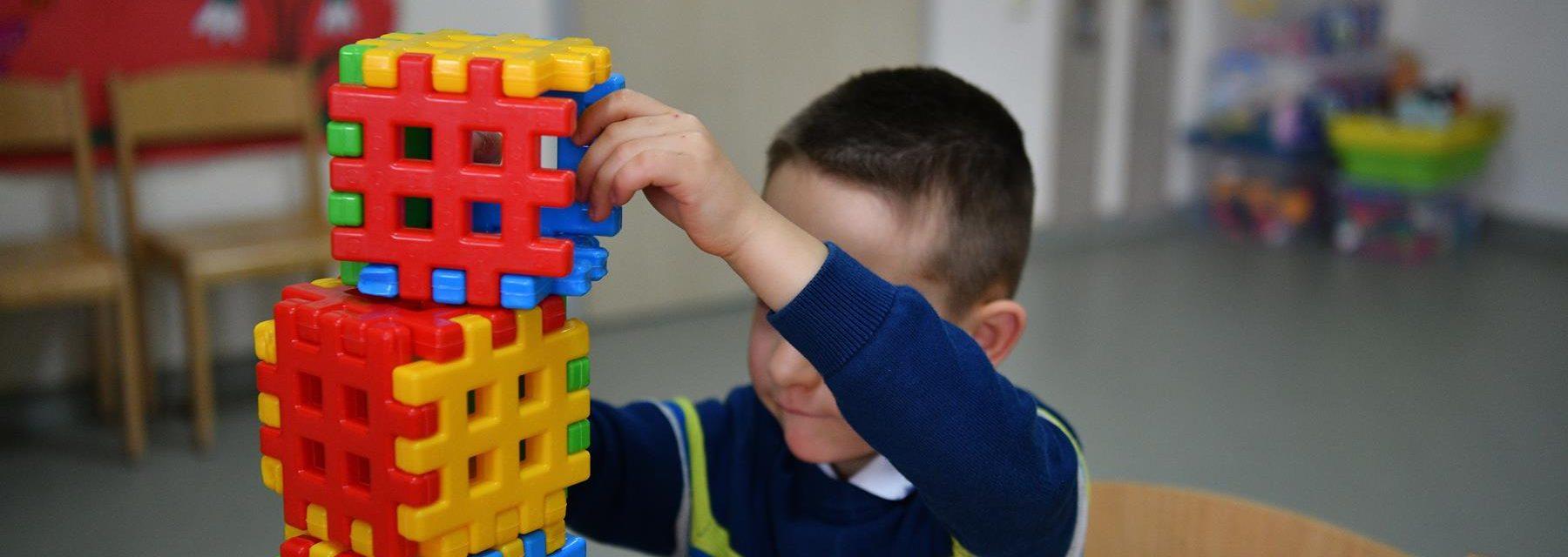 Centrul Delfinul pentru copii cu autism